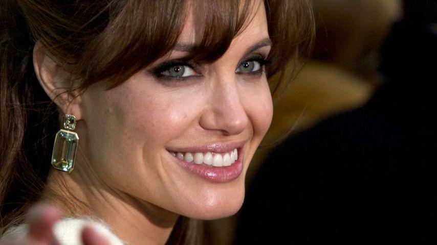Angelina Jolie hat keine Zeit für ein ruhiges Bad