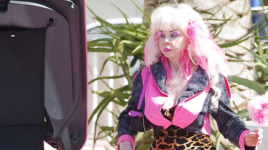 Na Hallöchen! Wer ist denn diese lebende Barbie?
