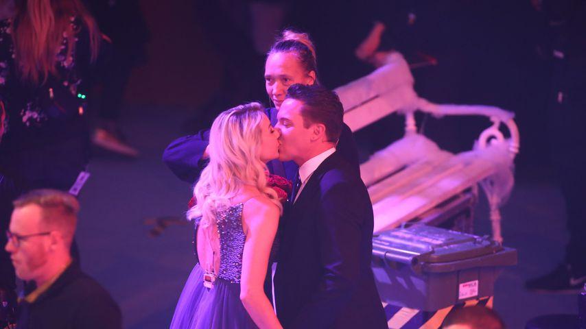 So turtelten Stefan Mross & Anna-Carina nach dem Live-Antrag