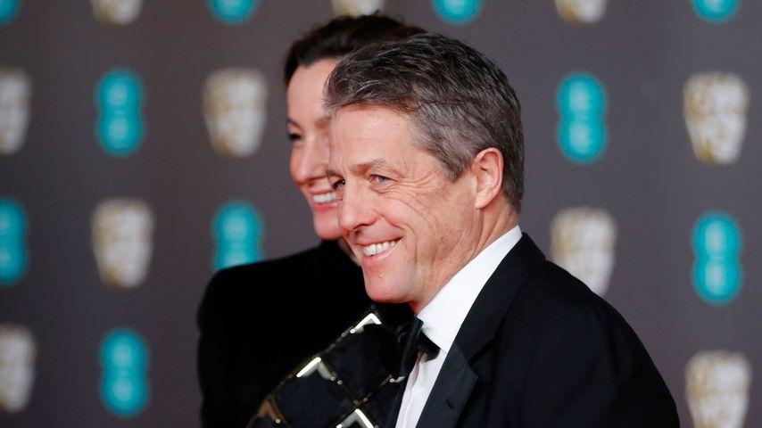 Anna Eberstein und Hugh Grant bei den British Academy Film Awards 2020