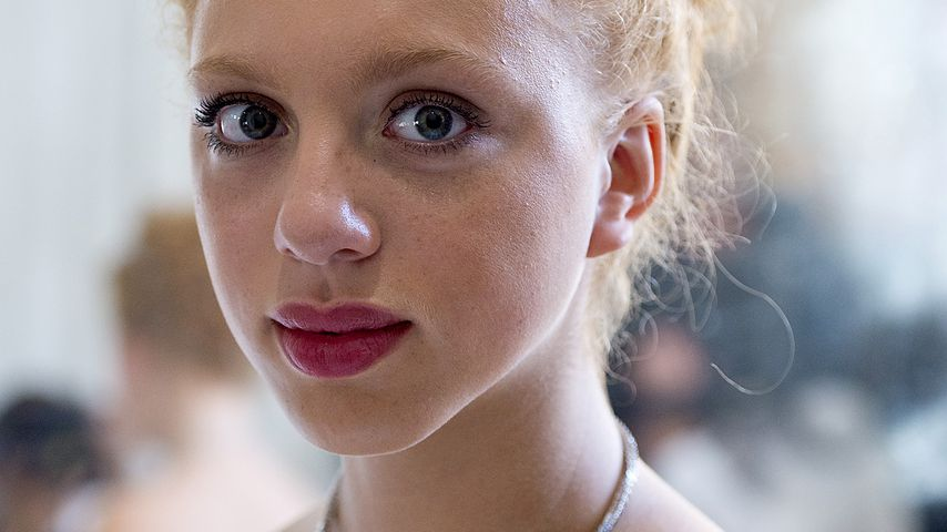 Im Sommer-Look! Anna Ermakova (15) posiert wie die Großen