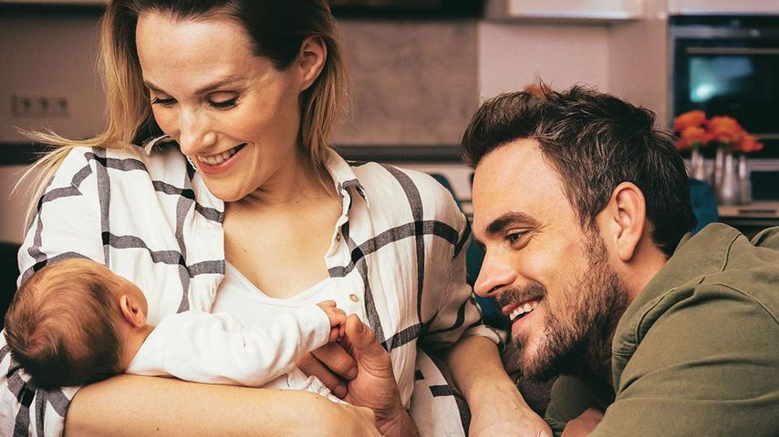 Anna Hofbauer und Marc Barthel mit ihrem Sohnemann Leo