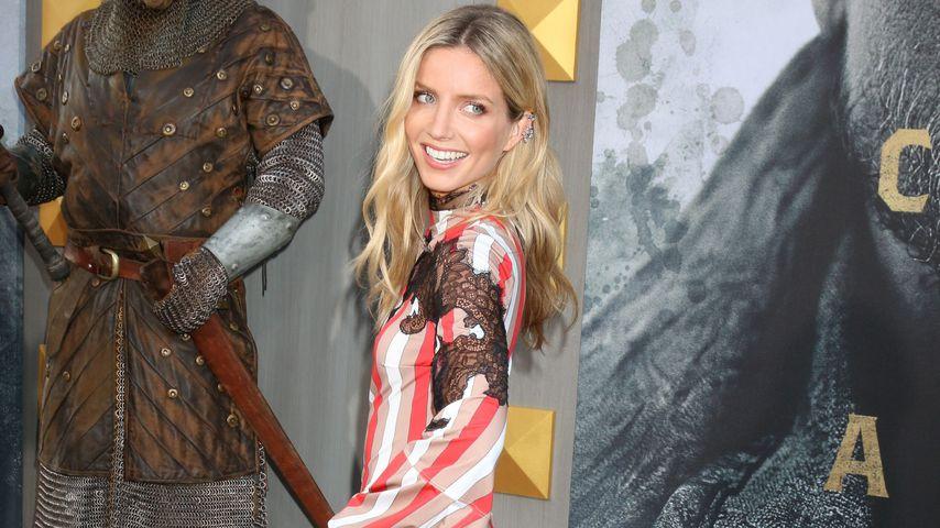 """Annabelle Wallis bei der Premiere von """"King Arthur: Legend of the Sword"""""""