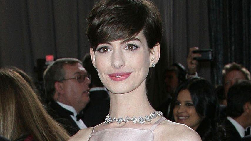 """Anne Hathaway irritiert im """"spitzen"""" Oscar-Kleid"""