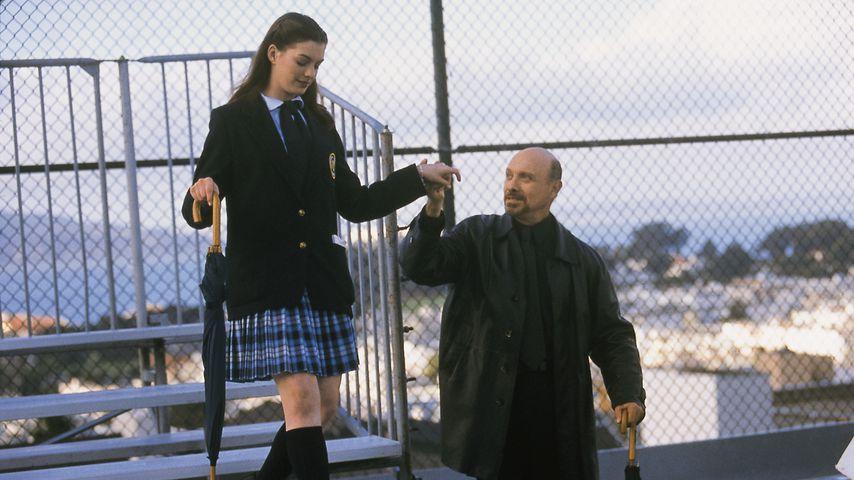 """Anne Hathaway und Hector Elizondo in """"Plötzlich Prinzessin"""""""