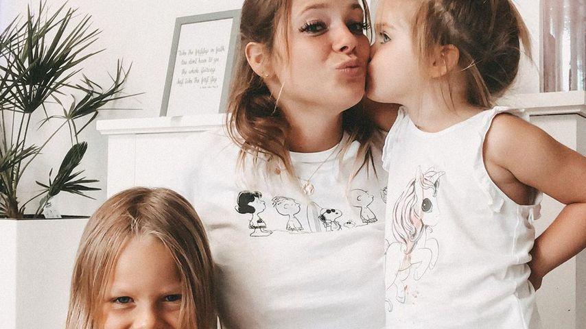 Anne Wünsche mit ihren Töchtern Miley und Juna