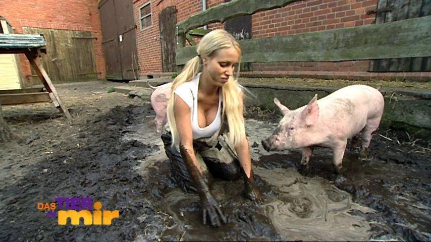 Porno-Annina: So schweinisch ist sie im TV | Promiflash.de