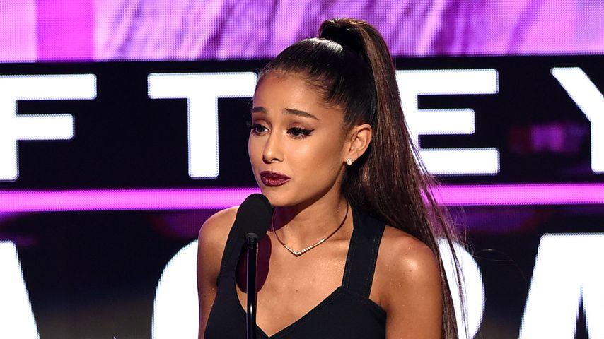 Ariana Grande bei den 2016 American Music Awards
