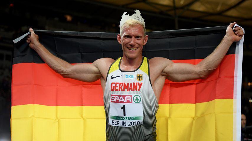 Nach Lähmungs-Schock: Deutscher Zehnkämpfer holt bei EM Gold