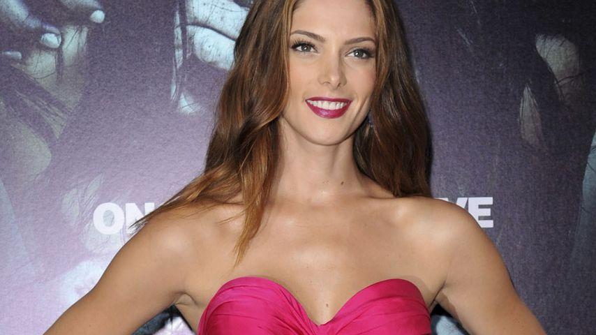 Ashley Greene präsentiert sich pretty in pink