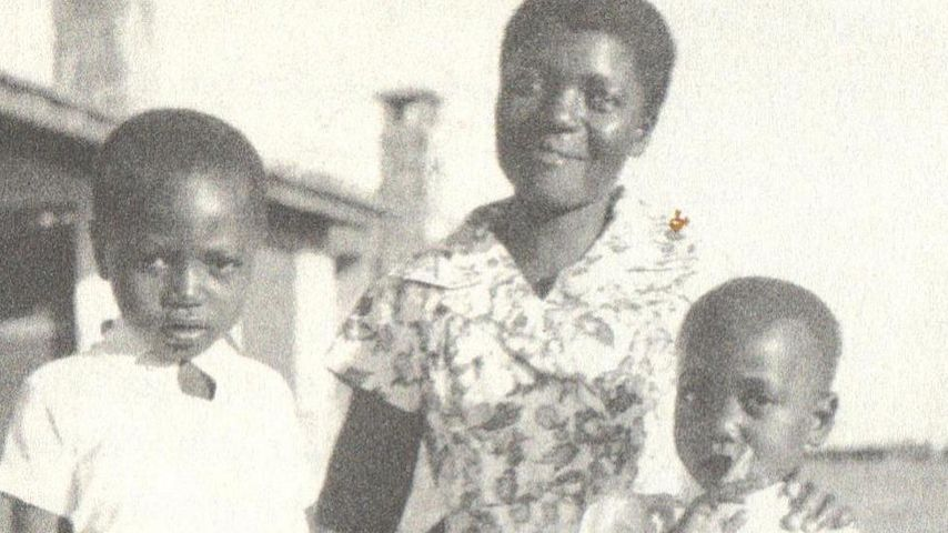 Auma Obama in jungen Jahren (r.) mit ihrer Mutter Kezia