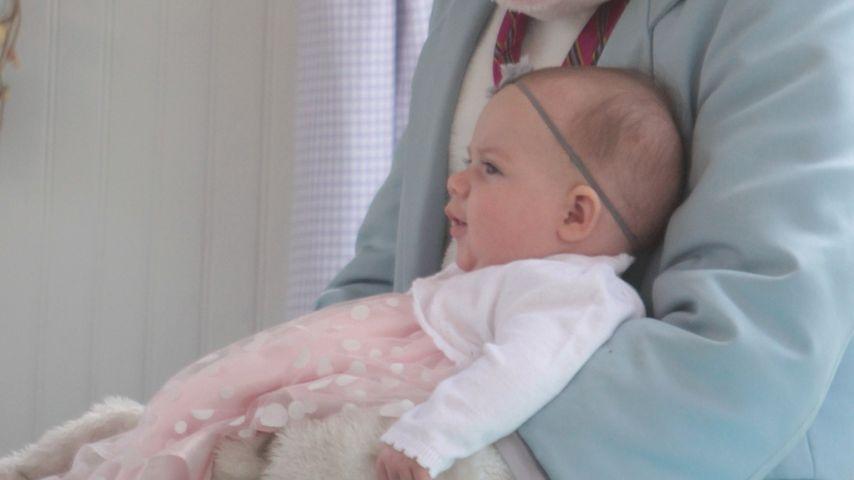 Riesig! AJ McLeans Tochter trifft den Osterhasen