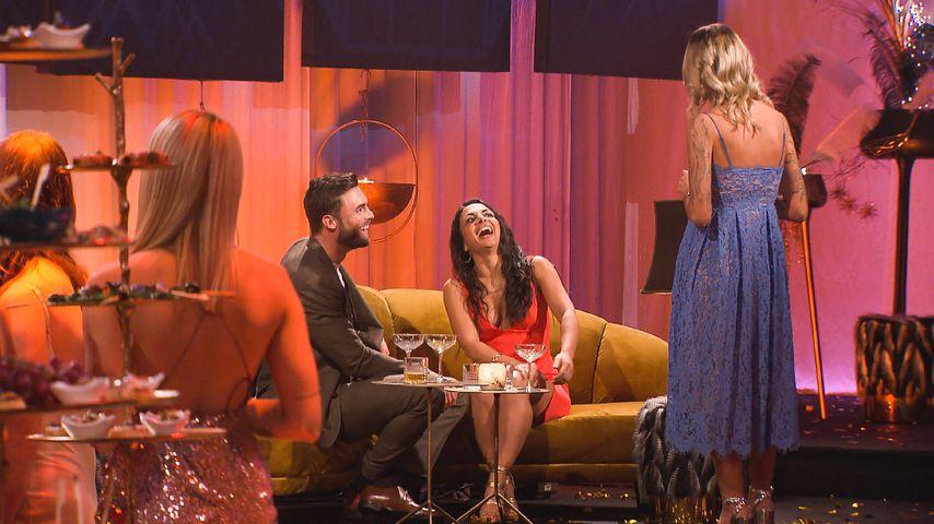 Bachelor Niko Griesert mit den Kandidatinnen Nora Lob und Stephie Stark