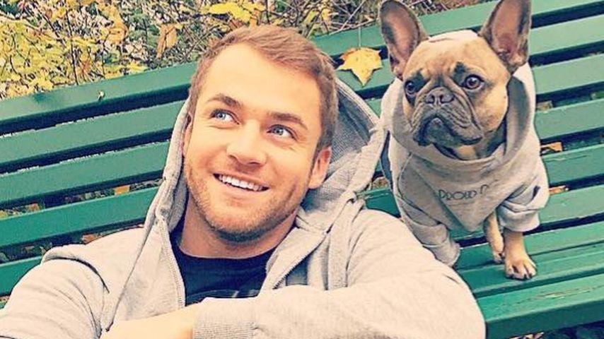 Bachelorette Philipp: Hoodie-Partnerlook mit seinem Hund