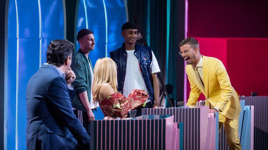 """Joko Winterscheidt (r.) und seine Gäste bei """"Wer stiehlt mir die Show?"""""""