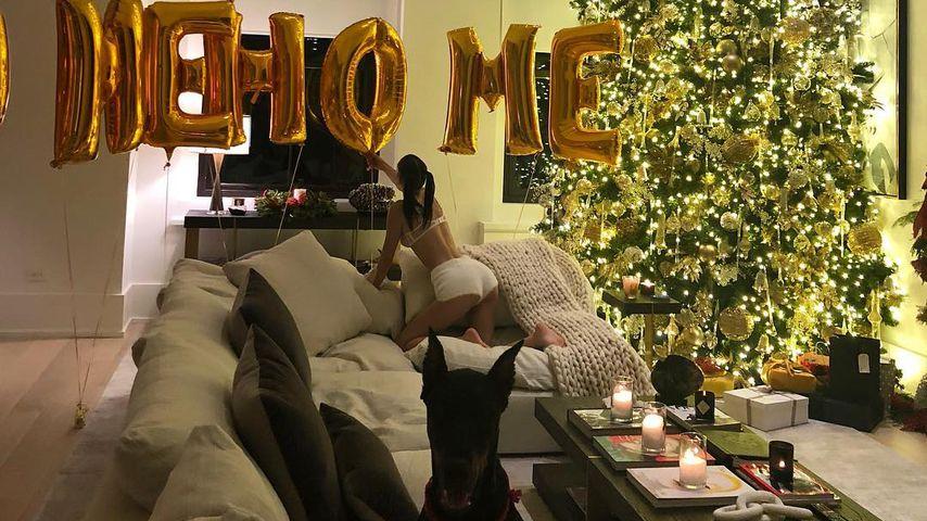 Bella Hadid in Dessous an Weihnachten 2018