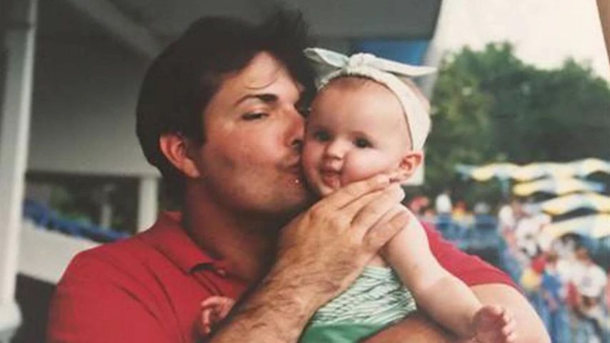 Bella Thorne in Kindertagen mit ihrem Vater