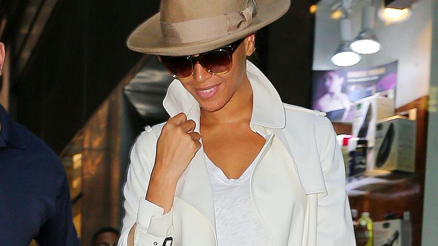 Ganz in Weiß: So glamourös geht Beyoncé ins Büro