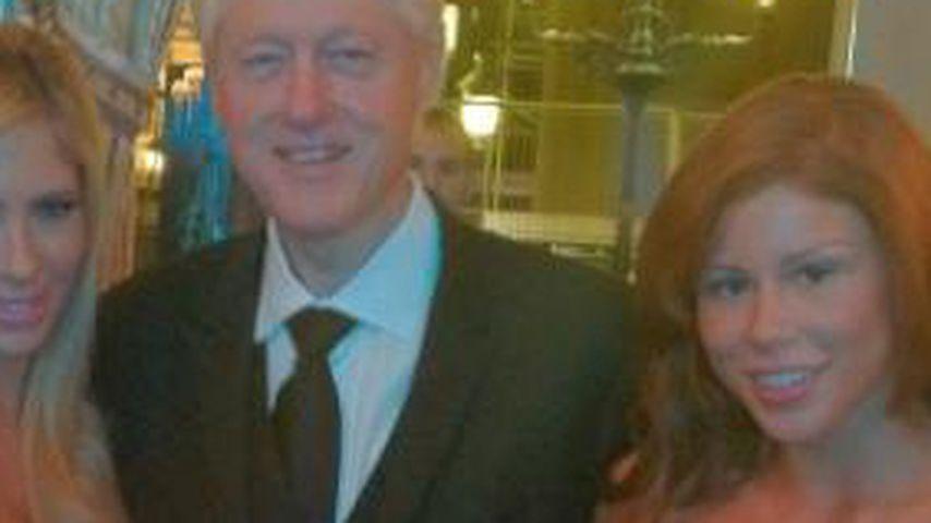 Was macht Bill Clinton da mit den Porno-Stars?