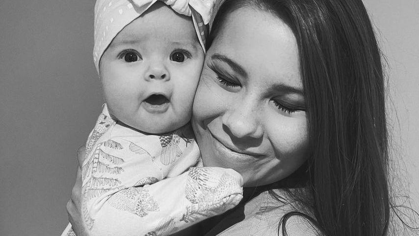 Bindi Irwin und ihre Tochter Grace Warrior