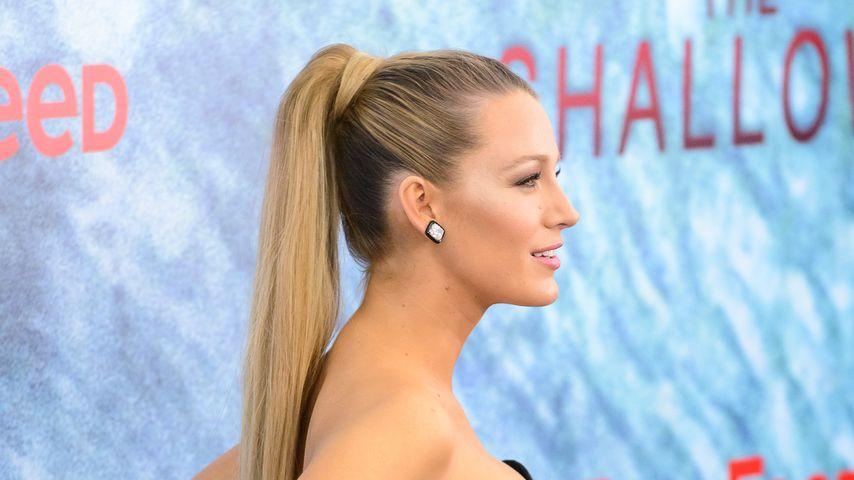 """Blake Lively auf dem roten Teppich der """"The Shallows""""-Premiere"""