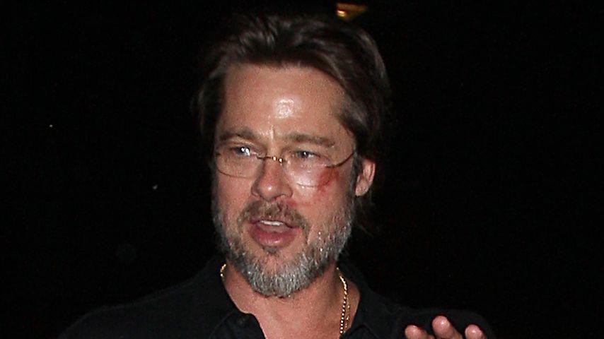 Gesicht lädiert! Was ist denn mit Brad Pitt passiert?