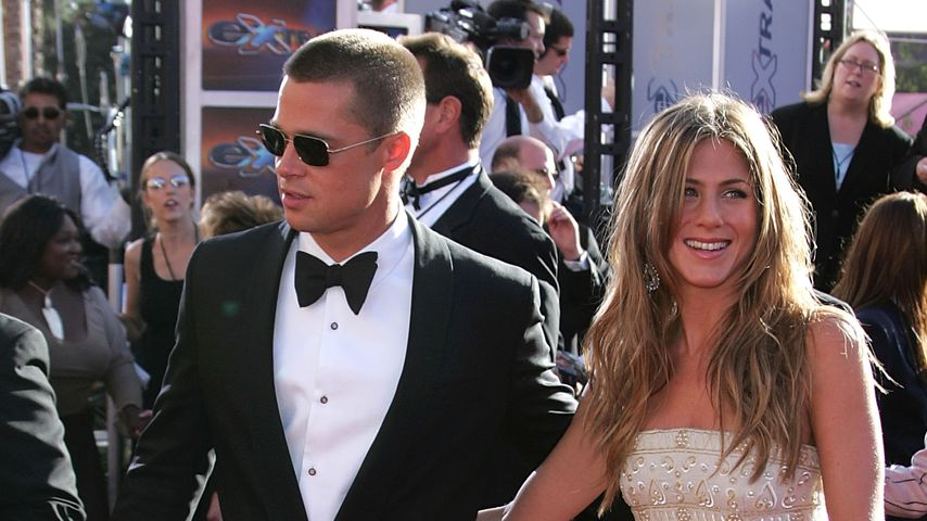 Brad Pitt und Jennifer Aniston bei den Emmy Awards 2004