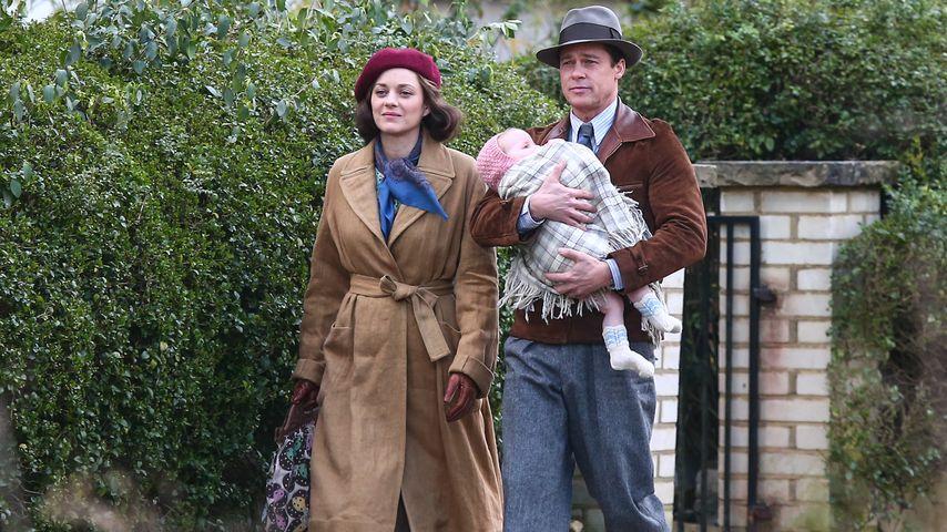 """Marion Cotillard und Brad Pitt während der Dreharbeiten zum Film """"Allied"""" in London"""
