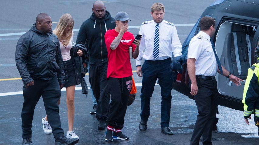 Bronte Blampied auf dem Weg zum V-Festival mit Justin Bieber