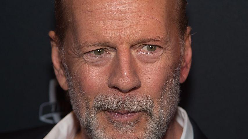 Blödel-Schreihals: Bruce Willis flippt am Flughafen aus