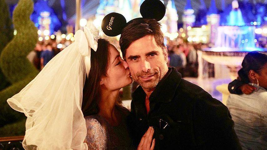 1. Foto als Eheleute: John Stamos grüßt aus dem Honeymoon!