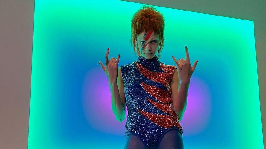 Cara Delevingne im David-Bowie-Look