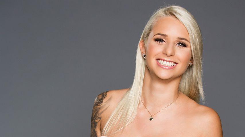 Tattoo-Fan Carina: Geht sie dem Bachelor unter die Haut?