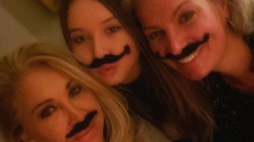 Carmen Geiss mit ihrer Tochter und einer Freundin