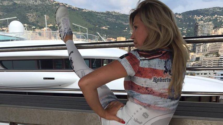 Hoch das Bein: So hält sich Carmen Geiss fit!