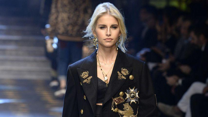 Caro Dauer bei einer Dolce & Gabbana Show in Mailand