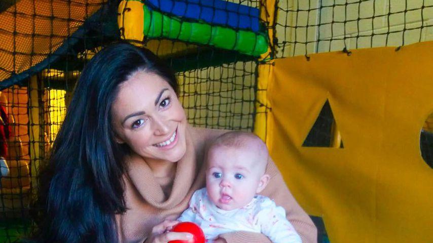 Casey Batchelor mit ihrer Tochter Florence
