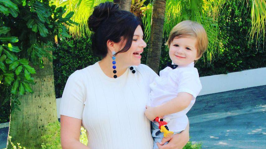Schauspielerin Casey Wilson und Sohn Max