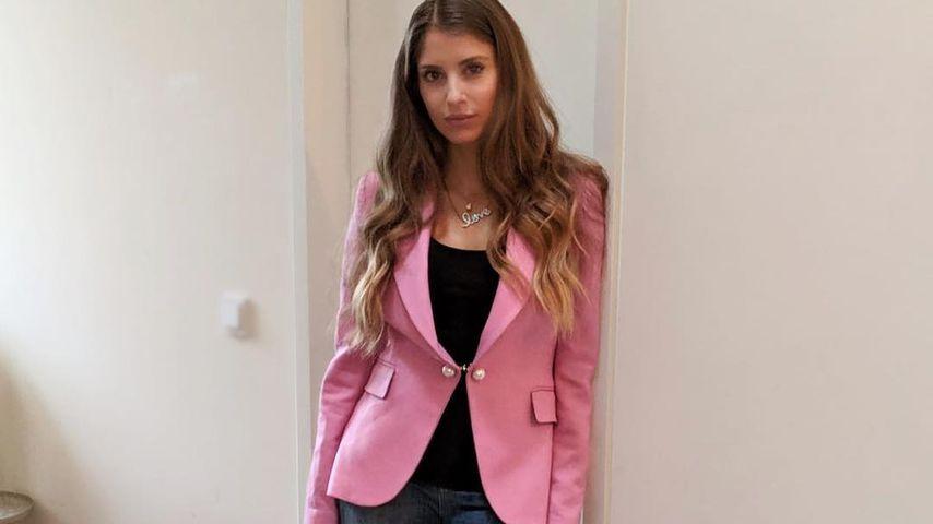Löchrige Jeans: Cathy Hummels erntet Diss für Gerichtsoutfit