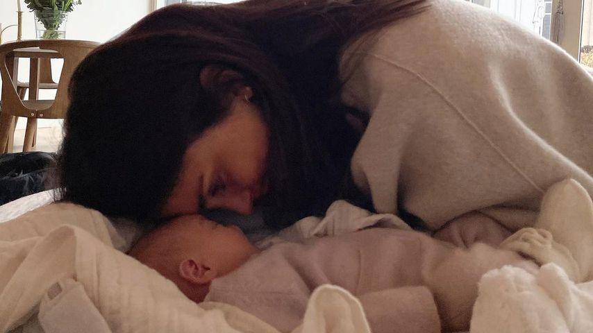 Christopher Lund Nissens Frau Cecilie Haugaard mit dem gemeinsamen Baby
