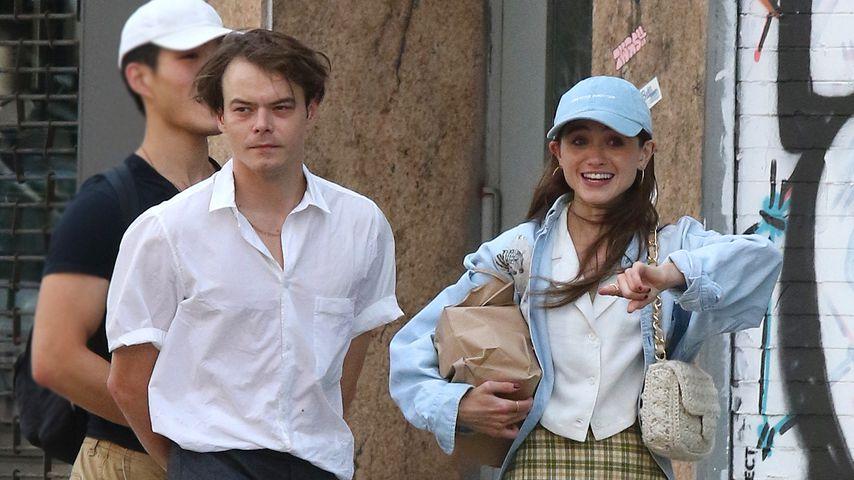 Charlie Heaton und Natalia Dyer