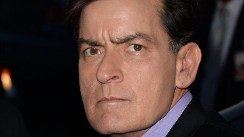 """Schlampe"": Betrunkener Charlie Sheen droht seiner Freundin!"