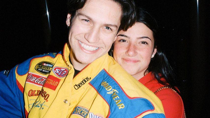 Chase Hudson und Charli D'Amelio Arm in Arm
