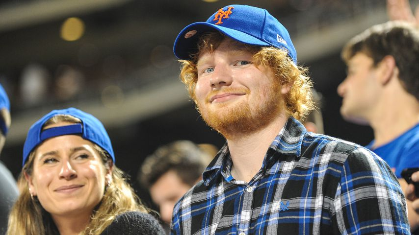 Cherry Seaborn und Ed Sheeran bei einem Baseballspiel in New York