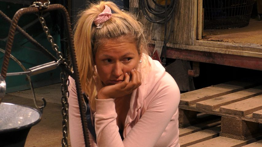 """Chethrin Schulze bei """"Promi Big Brother"""", Tag 1"""
