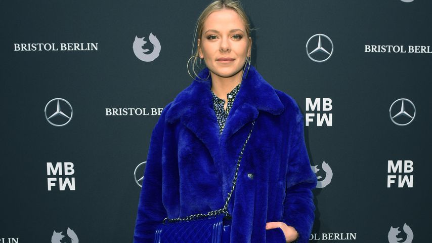 Schauspielerin Cheyenne Pahde auf der Riani-Fashionshow in Berlin