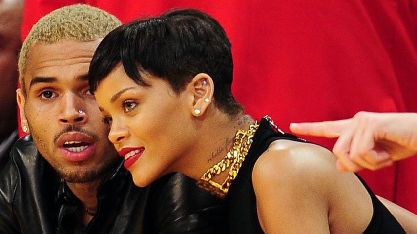 Chris Brown und Rihanna bei einem Basketballspiel 2012