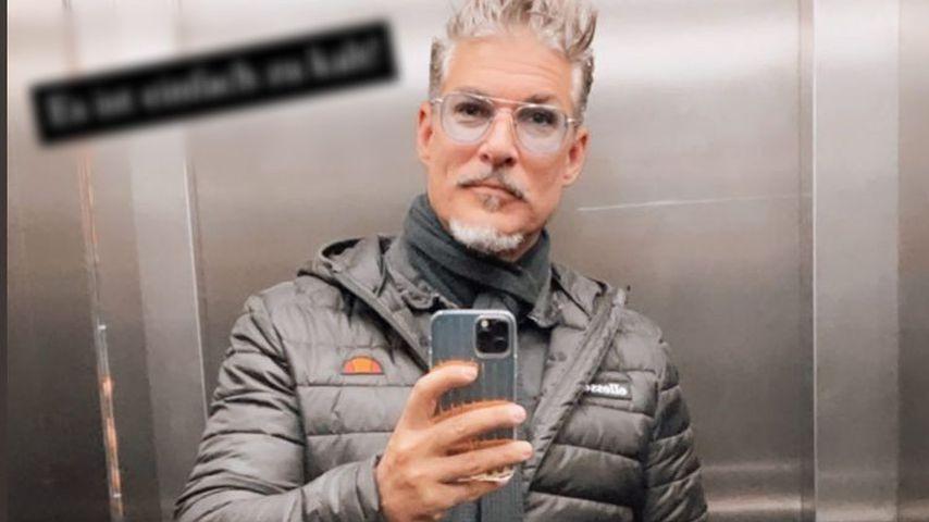 Reality-TV-Star Chris Töpperwien in einem Fahrstuhl