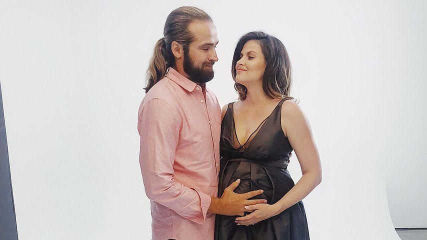 Chris Welch und Hana Nitsche bei einem Fotoshooting