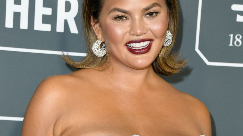 Chrissy Teigen bei den Critics Choice Awards in Santa Monica im Januar 2019